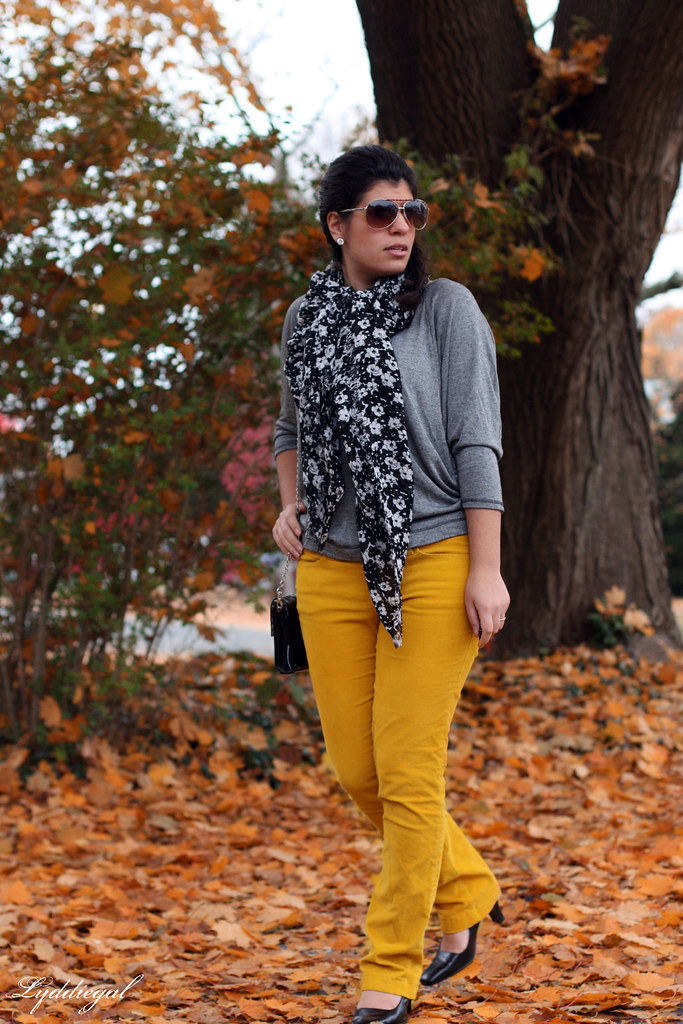 Mustard is still chic