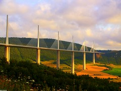 Viaduc de Millau (declicjardin) Tags: landscape vacances explore pont saline escapade millau viaduc defidefiouiner declicjardin colorphotoaward aplusphoto  excellentphotographerawards flickrelite wetraveltheworld capmpagne