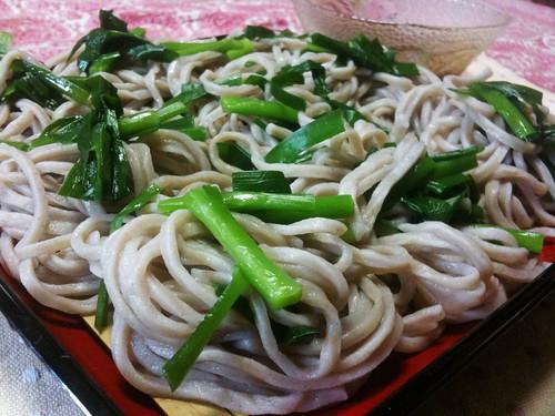 #jisui ニラ蕎麦!うちの町のローカルフードらしい。美味いよ、こだわらないニラ蕎麦!