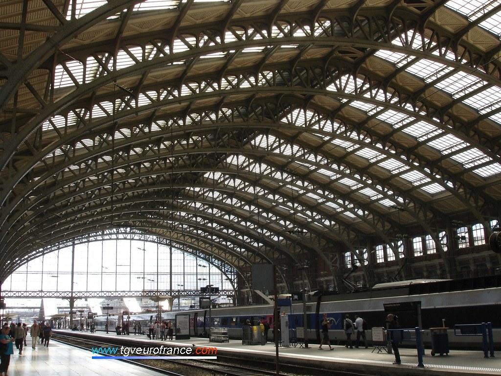 Vue de la marquise de la gare de Lille Flandres
