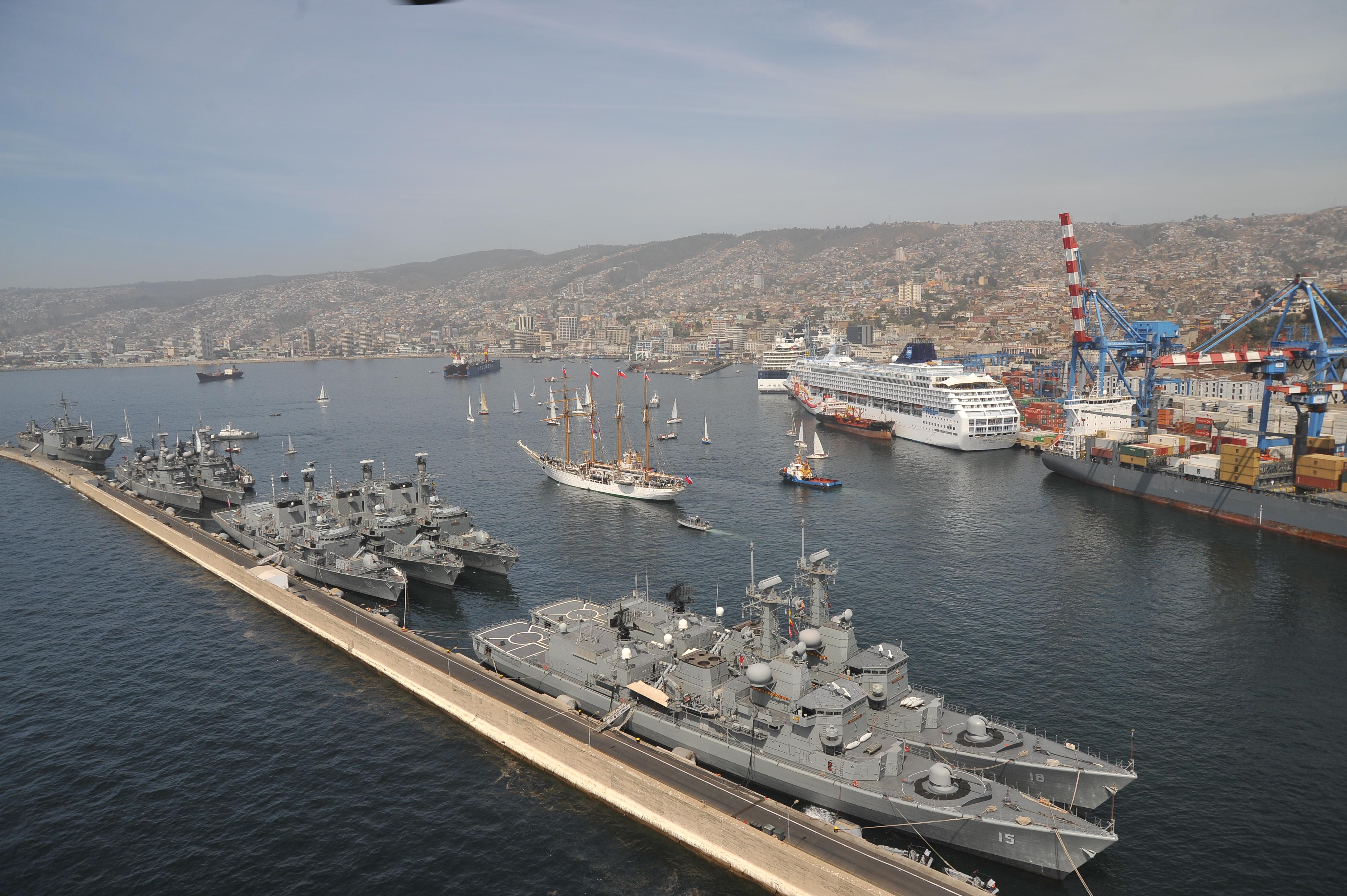 Armée Chilienne / Chile's armed forces / Fuerzas Armadas de Chile - Page 3 4678379509_13acc5ec22_o