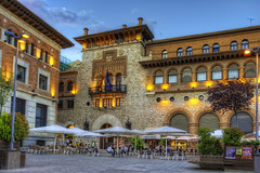 Plaza de San Juan, Teruel (Spain), HDR (marcp_dmoz) Tags: lighting plaza espaa photoshop square cafe twilight spain nikon map platz sunshade sanjuan aragon dmmerung nikkor cafeteria 1735mmf28d sombrilla tone teruel hdr crepuscule terraza spanien beleuchtung anochecer iluminacion sonnenschirm photomatix tonemapped tonemapping zwielicht aragonien d700