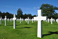 Normandy American Cemetery and Memorial (yuyu418) Tags: france history cemetery memorial war remember worldwarii american historical normandie guerre normandy dday secondworldwar americancemetery jourj