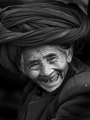 Old woman from Lugu lake area, Yunnan, China (Eric Lafforgue) Tags: china old smile asia chinese hasselblad asie  yunnan kina chin cina dents chine headdress xina lugu  headwear headgear  peoplesrepublicofchina  zhongguo tiongkok  chiny  kna in coiffe h3d lafforgue haselblad  commentsbest ericlafforgue  trungquc na   kitajska tsina  wwwericlafforguecom      january2010entrysoulwoman