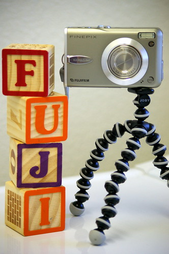 Fuji F30 & Joby Gorillapod mini tripod