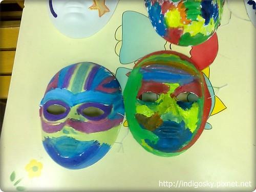 幼稚園裡夏皮畫的面具