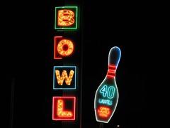 Linbrook Bowl (Mike Krueger) Tags: neon bowling orangecounty neonsigns orangecountyca