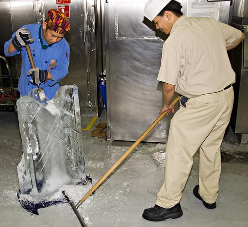 Ice Sculptor