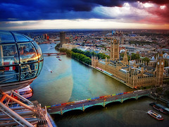 London from the Eye (urbaguilera) Tags: inglaterra bridge sunset england london westminster thames clouds ro photoshop river de puente ojo big nikon ben britain horizon great edificio housesofparliament londoneye londres gran britishairways tmesis parlamento bretaa