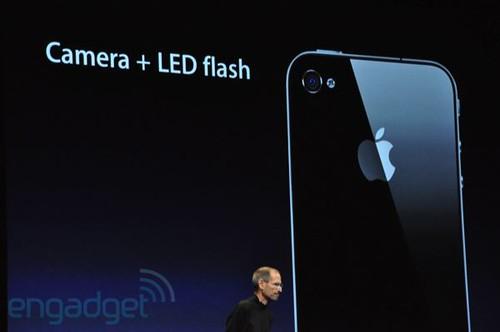4679524380 80c9f86e9f - iPhone 4 : Une fois encore il bouscule tout, à partir du 24 juin 2010 !