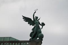 Statue auf der Neuen Burg (Hofburg) (aj82) Tags: wien statue hofburg frohnleichnam efs55250mmf456is