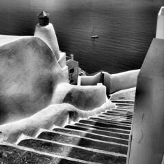 B&W Santorini (Frizztext) Tags: blackandwhite canon square volcano blackwhite atlantis explore santorini greece galleries cruiseship soe oia 500x500 firstquality magicdonkey 100faves flickrleech powershota700 frizztext seadiamond vision1000 visiongroup  ysplix 240x240 winner500 vision100 bw500