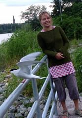 Palpic with young tern :) (Lalallallala) Tags: park sea me water finland bay helsinki tern töölö töölönlahti palpic