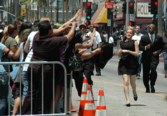 Emma Watson running to her fans (Sergey Galyonkin) Tags: movie stars potter harrypotter ron emmawatson radcliffe hermione grainger danielradcliffe rupertgrint