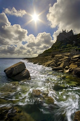 St Michaels Mount (jasontheaker) Tags: sea holiday castle photoshop cornwall raw waves been1of100 polarizer 2007 atlanticsea landscapephotography nationaltrust jasontheaker stmichaelsmount