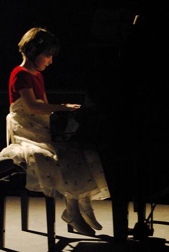 154/365 Pianist