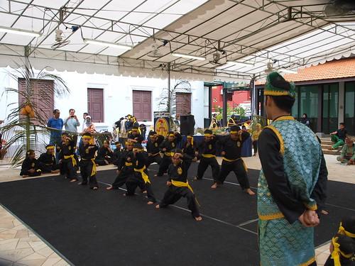 馬來傳統文化館正在辦傳統的Muara紀念活動,可愛武術版