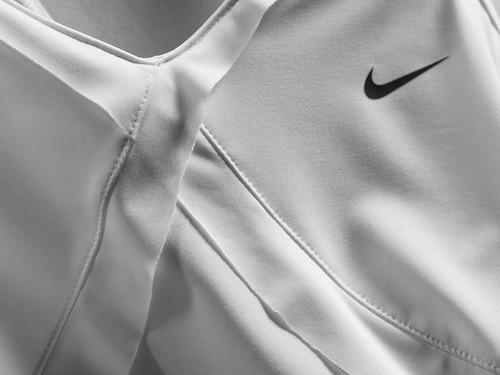 2010 Wimbledon: Maria Sharapova Nike outfit