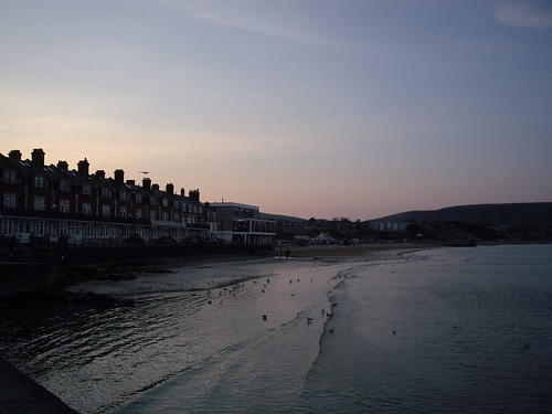 Swanage Sunset - Copyright R.Weal 2006