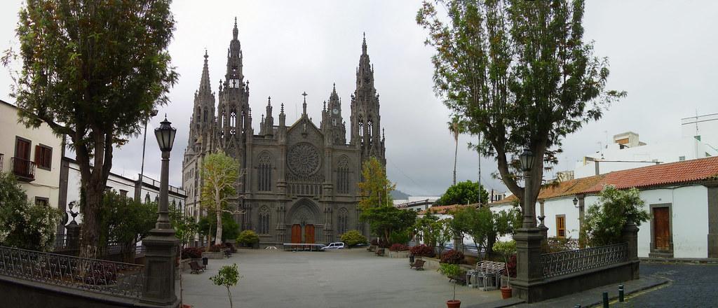 Plaza de San Juan e Iglesia de San Juan Bautista, Arucas