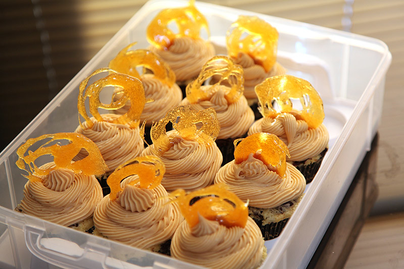 Black Bottom Cupcakes With Salted Caramel Cream Cheese ...