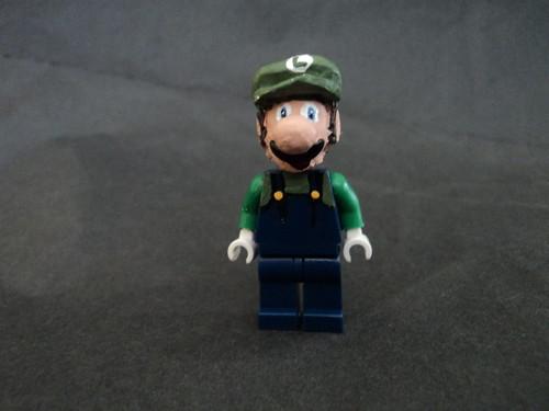 Luigi custom minifig