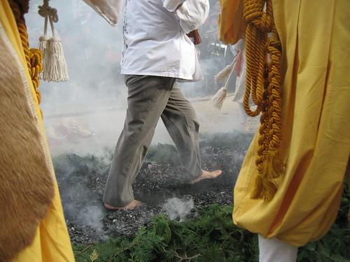 宮島 大聖院で 火渡り式9