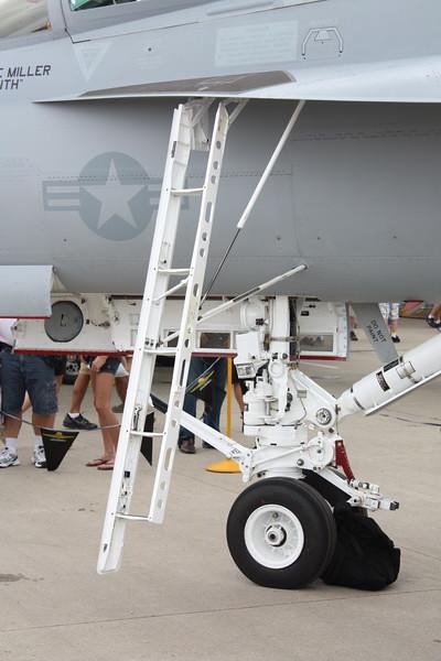 EAA10_EA-18G_13