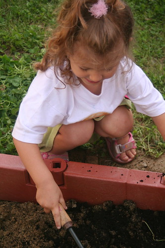 Montessori en famille, esprit Montessori, jardinage