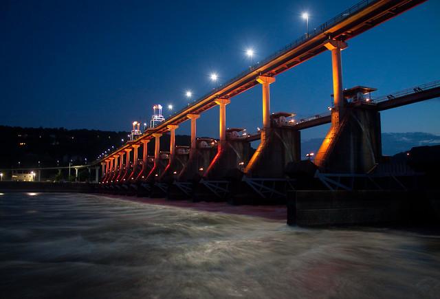 big dam light show
