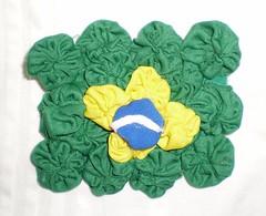 FUXICANDO NA TORCIDA (rosaestilosa) Tags: brasil handmade pano artesanato craft fuxico futebol tecido retalho copadomundo bandeiradobrasil fuxicos copadomundonaáfrica àfricadosul2010