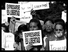 Expresarse es libertad (ervega) Tags: plaza students libertad freedom university venezuela caracas ucv colleges speech protests brion ucab universidades studentmovement expresion protestas movimientoestudiantil movimientoestudiantilvenezolano venezuelanstudentmovement