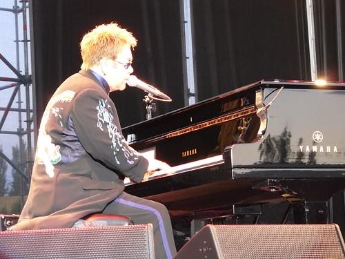 Elton John Flourescente