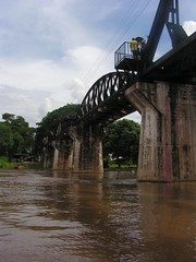 Bridge over the River Kwai (Vincent Teeuwen) Tags: river thailand kanchanaburi kwai