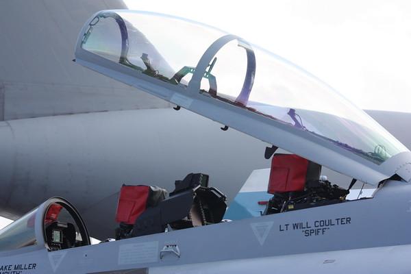EAA10_EA-18G_06