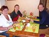 Griet, mama de Harry, Romke y Harry, desayuno de pascuas