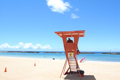 low stress lifeguard duty (m8roberto) Tags: hawaii oahu ricohgrd