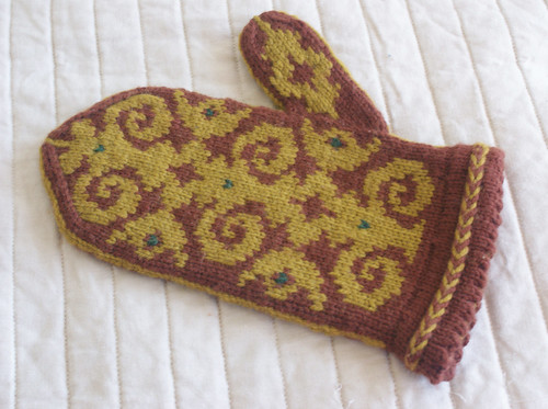 Flocked Mitten: Finished exterior