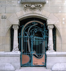 Castel Branger (stevecadman) Tags: door paris france brick stone architecture french gate apartments 19thcentury entrance architect artnouveau doorway creativecommons gateway housing ironwork guimard jugendstil nineteenthcentury hectorguimard 1890s stileliberty 16e c19 castelberanger eighteennineties lartnouveau