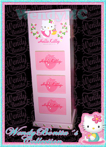 Hello kitty room decor hello kitty african american - Mueble para cd ...