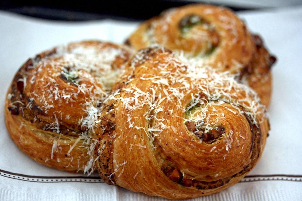 Pesto Croissant