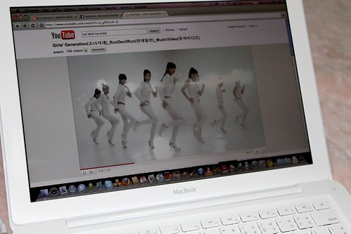 SNSD in MacBook (via YouTube)
