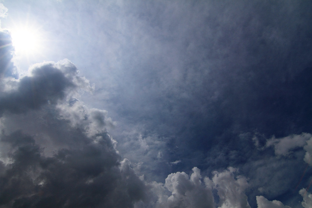 IMAGE: http://farm2.static.flickr.com/1304/4684118576_ac3259e9cd_b.jpg