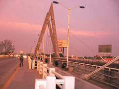Puente Grijalva I (Caneckman) Tags: viaje naturaleza flores sol mexico puente atardecer agua ciudad fotos tabasco rios villahermosa sureste brecha