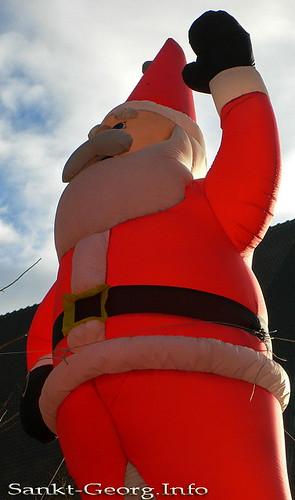 Weihnachtsmarkt, Weihnachtsmann Figur in Hamburg