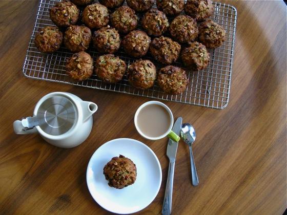 zucchini muffins 002