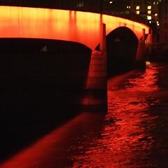 red river (Cosimo Matteini) Tags: bridge light red london water thames night pen londonbridge evening olympus riverthames m43 mft epl1 cosimomatteini