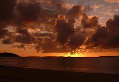 El dia ms largo (SondeBueu) Tags: sunset sea sky espaa cloud sun beach landscape atardecer mar spain playa paisaje rasbaixas galicia cielo nubes verano puestadesol ons riasbaixas fz50 bueu riadepontevedra illadeons isladeons radepontevedra triart3d ltytr1 triart3d2007 fdemrey fdmrey blogbueu sondebueu gpbueu