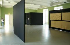 documenta 12 | Florian Pumhösl / Modernologie | 2007 | (on the right: Tanaka Atsuko / Work (Baumwolle | cotton) | 1955) | Fridericianum