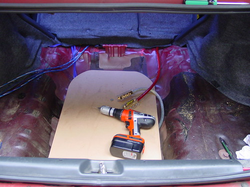 car audio diymobileaudio com car stereo forum view single i tamed my wires finally i have left the 1 0 power wire dangling for a couple feet under the amp racks i finally bit the bullet and cut off the excess